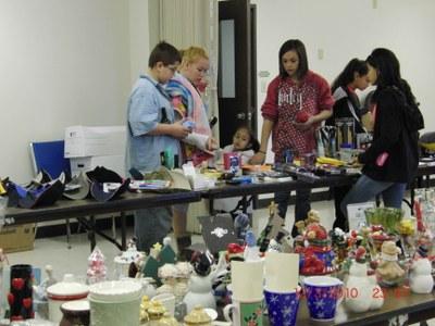 Kid's Shopping Spree at Christmas Fantasy